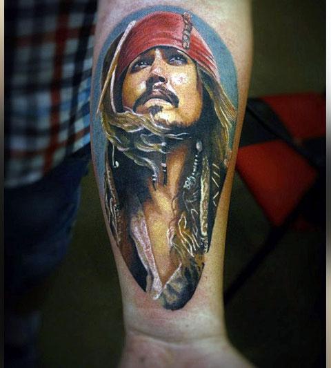 Татуировка капитана Джека Воробья на запястье