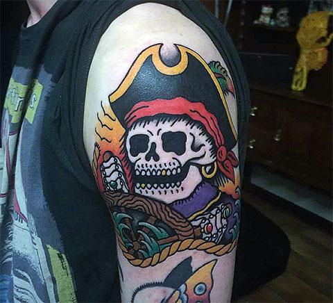 Цветная тату череп пирата
