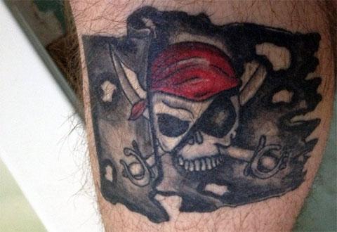 Тату пиратский флаг - фото