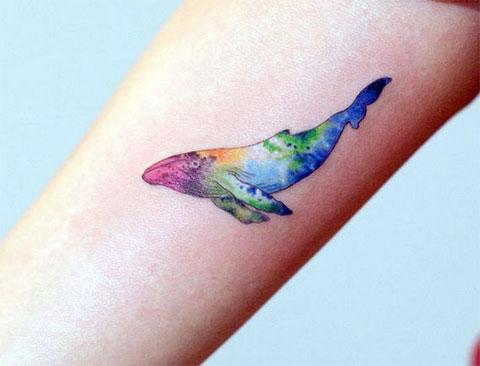 Татуировка кит цветная
