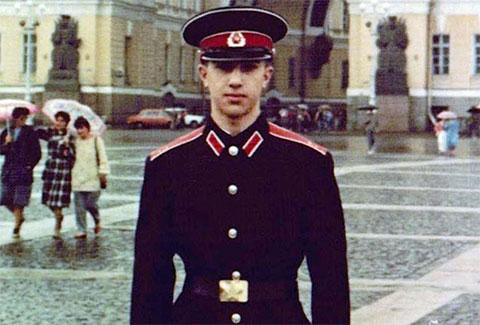 Тигран Петросян - курсант Суворовского училища