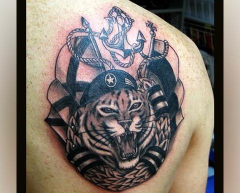 Тату морской пехоты с тигром