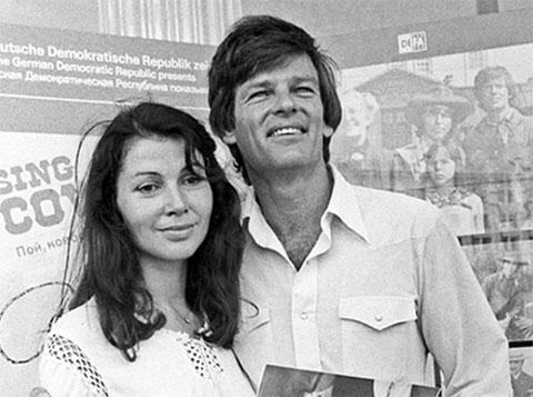 Дин Рид с женой Ренатой Блюме
