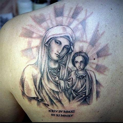 Тату на спине - Богородица и младенец