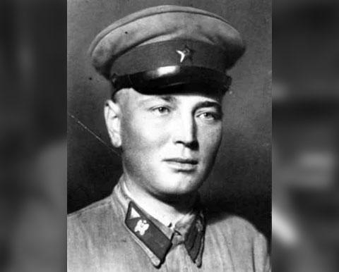 Савелий Дмитриев - ефрейтор-дезертир, совершивший покушение на кортеж Сталина