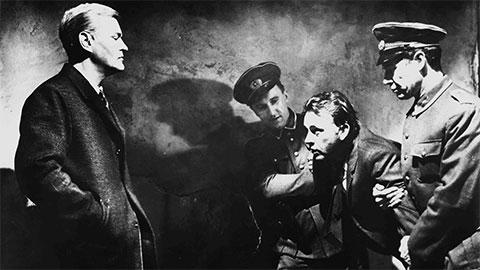 Кадр из фильма «Шпион, пришедший с холода»