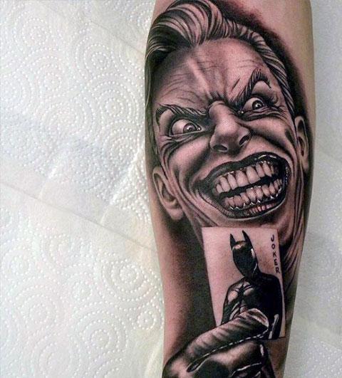 Татуировка Джокер с картой