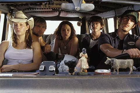 """Кадр из фильма """"Техасская резня бензопилой"""" (2003)"""