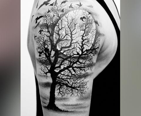 Тату дерево на плече