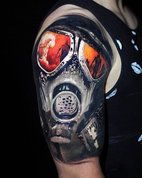 Татуировка противогаз на плече