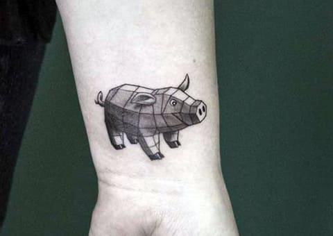 Тату свиньи