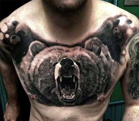 Оскал медведя во всю грудь - фото татуировки