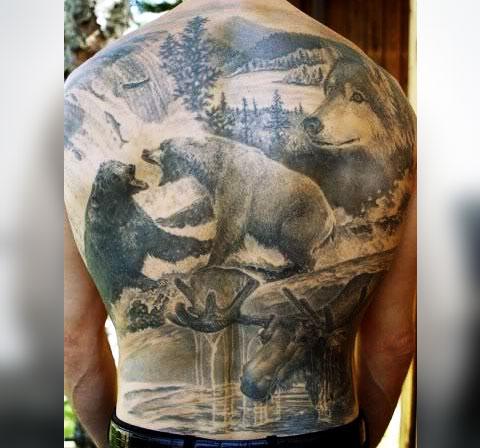 Тату с медведями на спине - фото