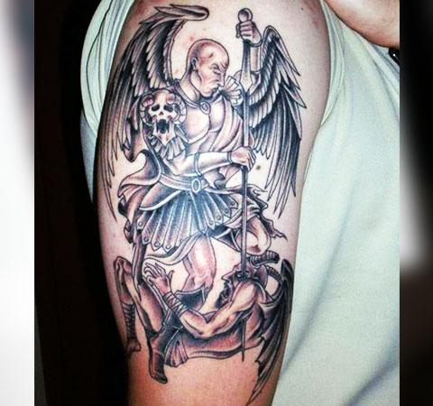 Татуировка битва ангела и дьявола