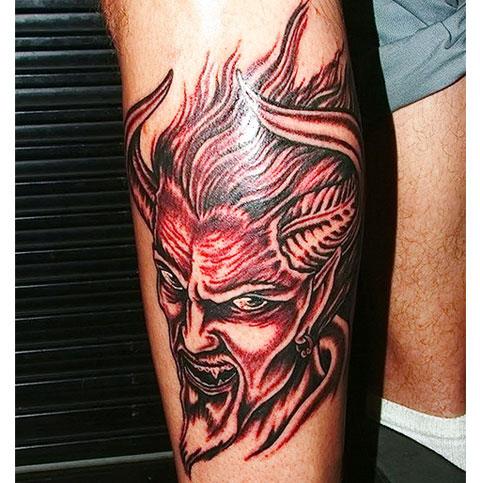 Тату дьявол на руке
