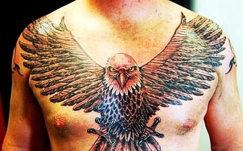 Татуировка орел у мужчины