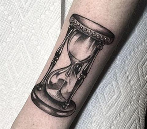 Тату песочные часы - фото