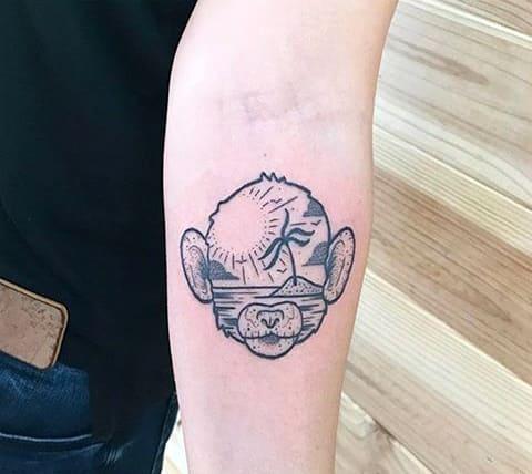 Татуировка обезьяны на руке