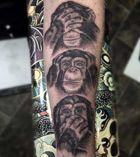 """Тату три обезьяны - """"не вижу, не слышу, не говорю"""""""