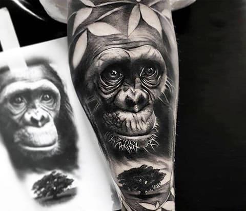 Тату с гориллой