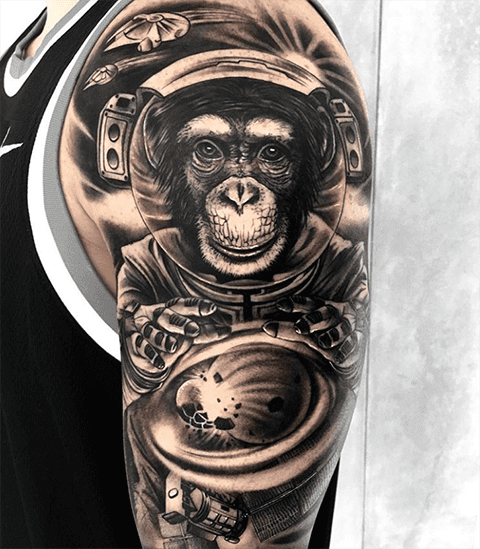 Тату обезьяна в космосе