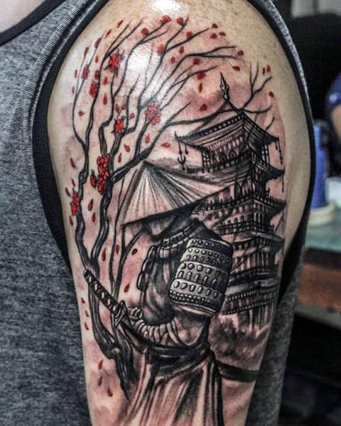 Татуировка ориентал на плече