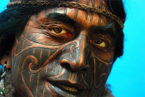 Племенные татуировки на лице