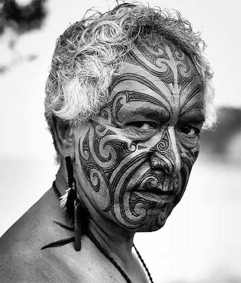 Племенные татуировки индейца -фото
