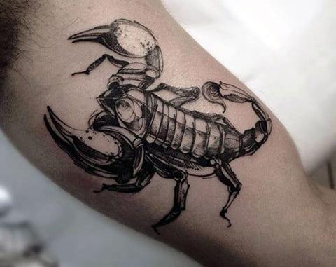 Тату со скорпионом на руке