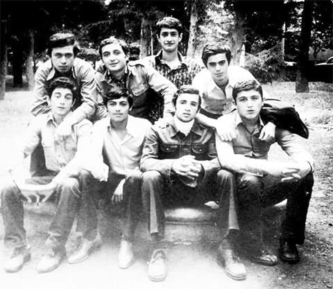 Вверху второй слева: Сулхан Твалчрелидзе
