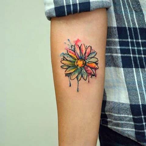 Татуировка акварель на руке