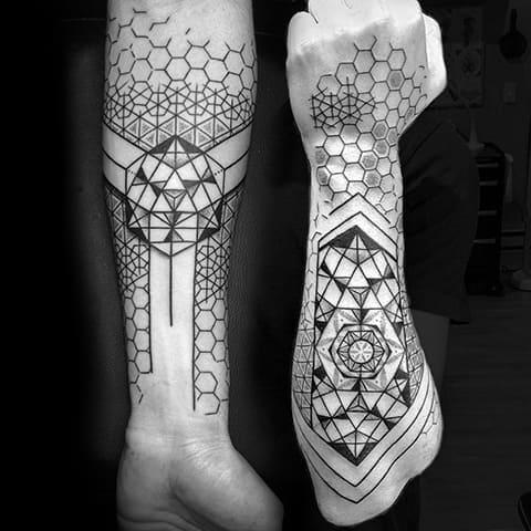 Татуировки в стиле дотворк на руках