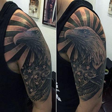 Татуировка орел на плече