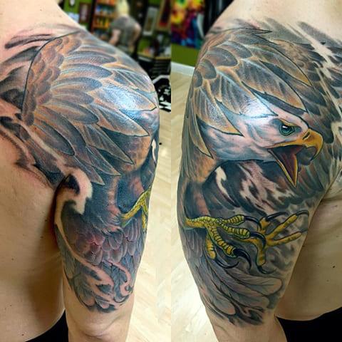 Татуировка орел на руке - фото