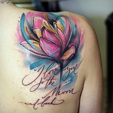 Тату тюльпан на лопатке у девушки