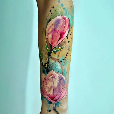 Тату тюльпан акварель на руке
