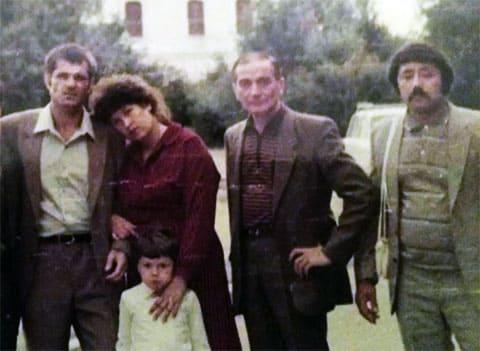 Слева: вор в законе Евгений Васин (Джем), Татьяна (супруга Джема), воры в законе: Эльбрус Гогичаев (Абуз), Ахмад Умурзаков (Кора Ахмад)