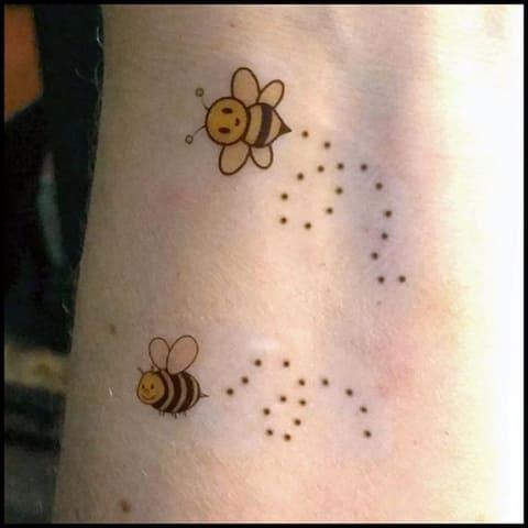 Тату с пчелами