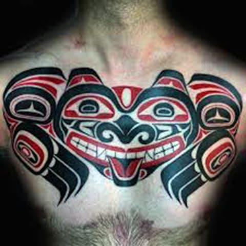 Татуировка в стиле хайда на груди