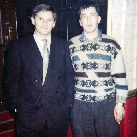 Слева воры в законе: Мераб Табагуа (Муха) и Олег Рогачев (Рогаченок), 1994 год