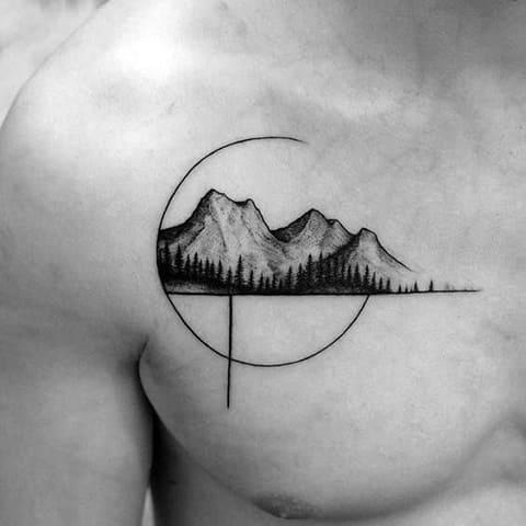 Тату горы на груди