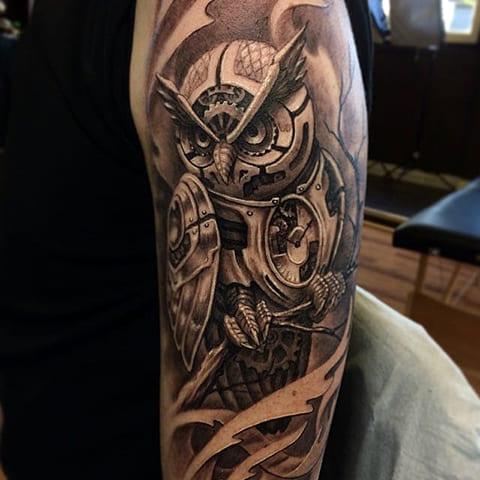 Татуировка в стиле стимпанк