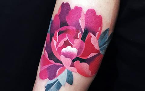Женская тату в стиле акварель