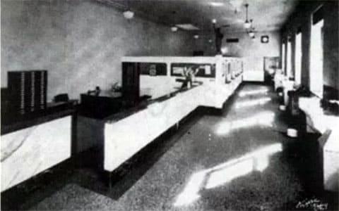 Интерьер  Первого национального банка в техасском городке Циско