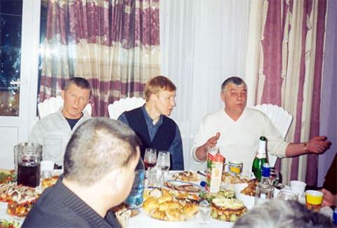 Слева: активные участники ОПГ «Осиновские» Александр Трифонов (Интеллигент) и Игорь Мельничук (Красный), и положенец от Тахи Федор Титов (Тит)