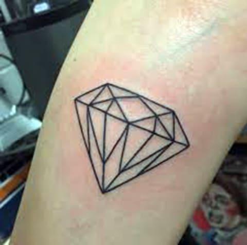 Тату с алмазом на руке