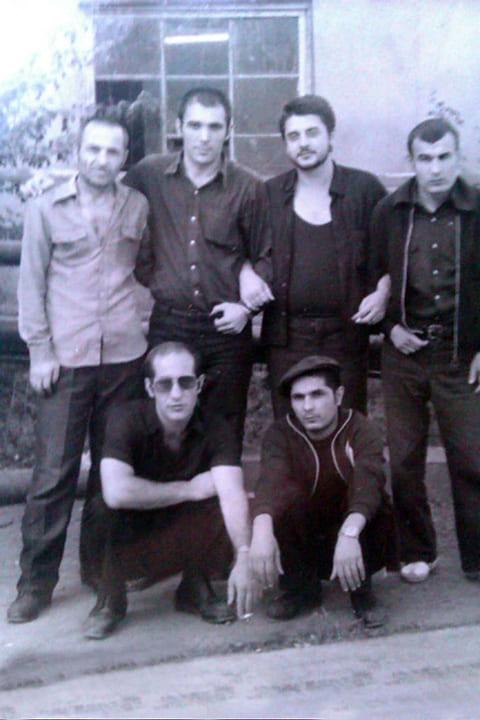Слева вверху воры в законе: 3) Ларго Гогелия (Батумский), 4) Омари Амзоев (Меке); внизу: 1) Сергей Белоев (Белка), 2) Захарий Калашов (Шакро Курд), Грузия