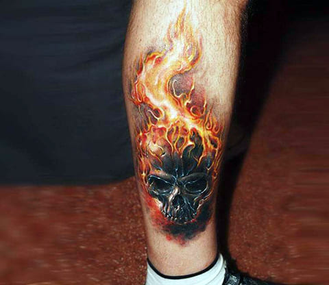 Тату череп в огне