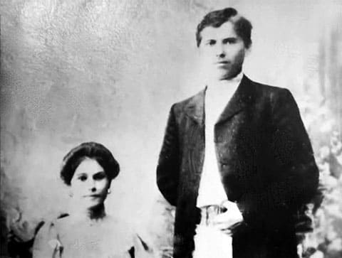 Чапаев и его первая жена Пелагея Метлина