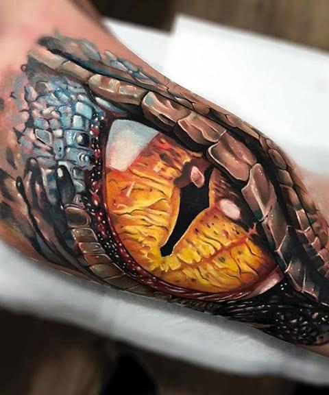 3Д татуировка глаз змеи